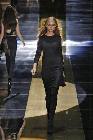 Показы мод Gucci Осень-зима 2010-2011 | Подиум на ELLE - Подиум - фото 2749