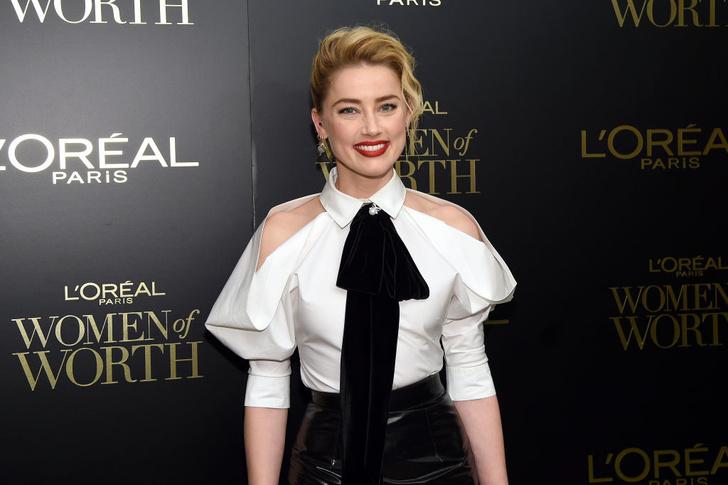 Кожаная юбка + белая рубашка: Эмбер Херд на вечере L'Oreal Paris (фото 3)