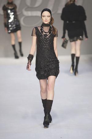 Показы мод Blugirl Осень-зима 2010-2011 | Подиум на ELLE - Подиум - фото 2772