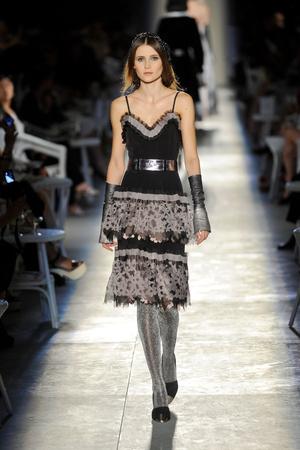 Показ  коллекции сезона Осень-зима 2012-2013 года Haute couture - www.elle.ru - Подиум - фото 403689