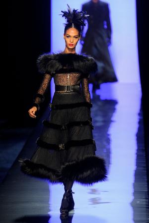 Показ Jean Paul Gaultier коллекции сезона Осень-зима 2011-2012 года Haute couture - www.elle.ru - Подиум - фото 278880