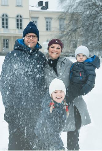 Британия vs. Швеция: рождественские открытки королевских семей (фото 2)