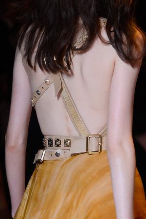 Показ Versace коллекции сезона Весна-лето 2013 года Prêt-à-porter - www.elle.ru - Подиум - фото 443126