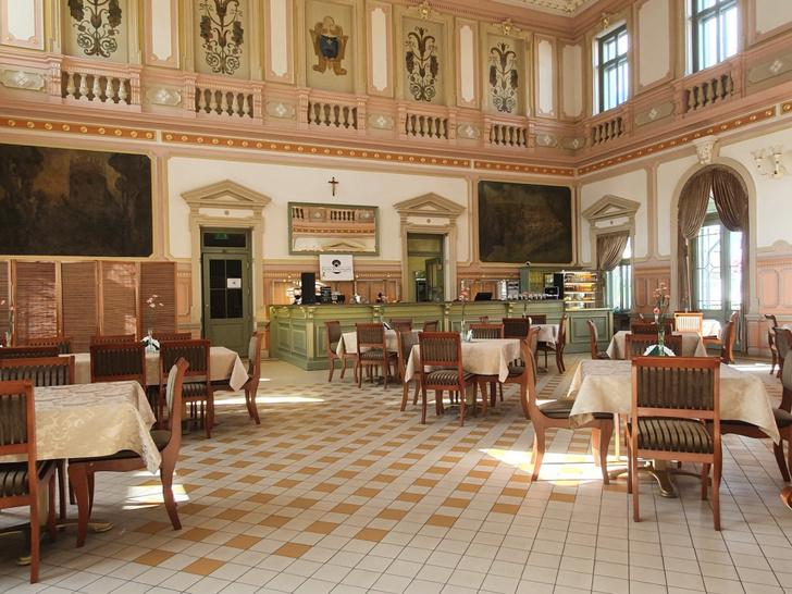 «Жемчужина Пшемысля»: ресторан в здании вокзала в Польше (фото 4)