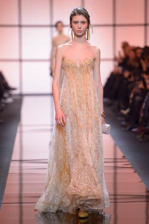 Показ Giorgio Armani Privé коллекции сезона Весна  2017 года Haute couture - www.elle.ru - Подиум - фото 616471