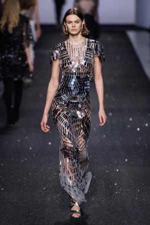 Какие платья будут самыми модными будущей осенью? 6 главных трендов (фото 10.1)