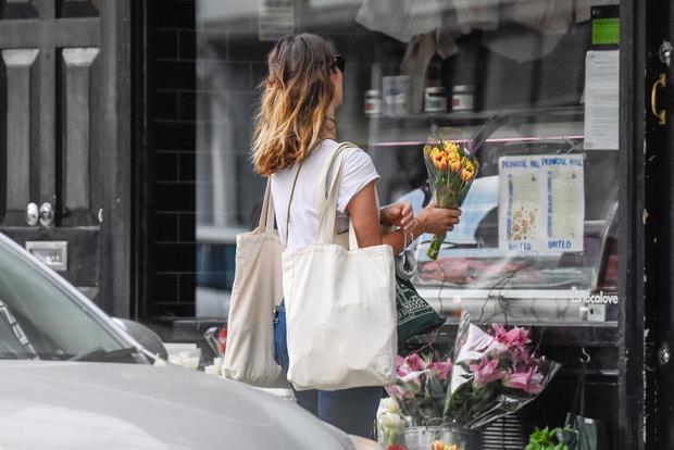 Один день Лили Джеймс: прогулка по Лондону и  цветочный шопинг (фото 3)