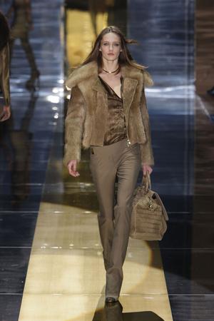 Показ Gucci коллекции сезона Осень-зима 2010-2011 года Prêt-à-porter - www.elle.ru - Подиум - фото 152338