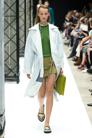Показы мод Acne Studios Весна-лето 2015 | Подиум на ELLE - Подиум - фото 4201