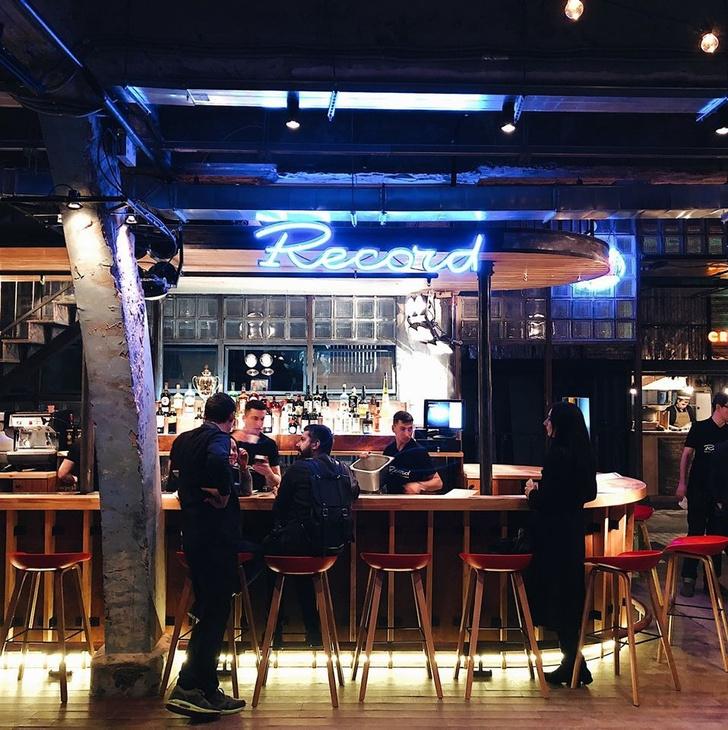 Новые бары: не только пить (фото 21)