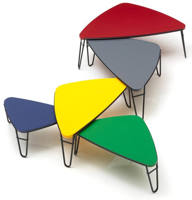 Столики Petalo. Сейчас выпускаются компанией Cassina (коллекция I Maestri).