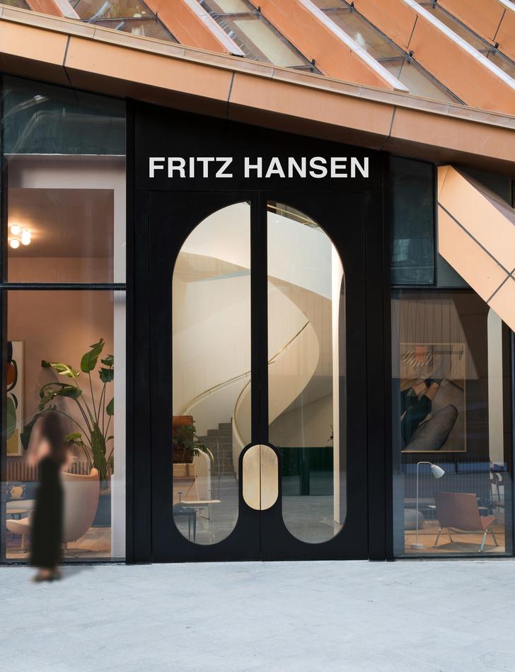 Салон Fritz Hansen по дизайну Хайме Айона в Китае (фото 9)