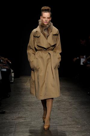 Показ Donna Karan коллекции сезона Осень-зима 2011-2012 года prêt-à-porter - www.elle.ru - Подиум - фото 229726