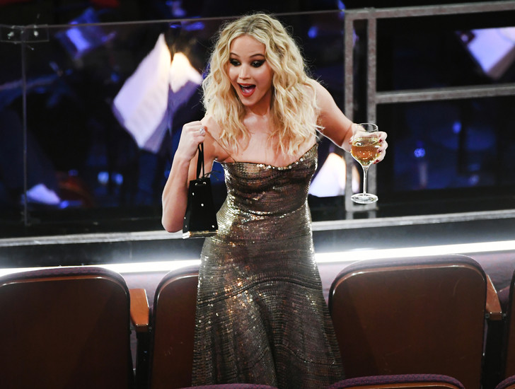 Дженнифер Лоуренс произвела фурор на «Оскаре» (фото 3)