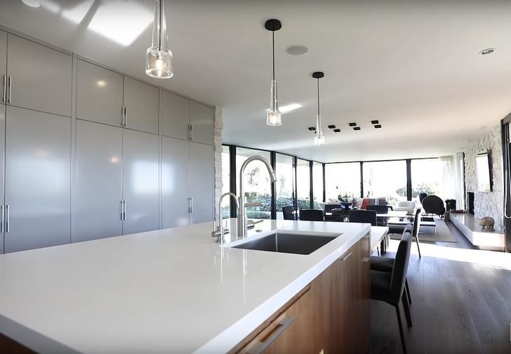 Илон Маск продает дом в Лос-Анджелесе за 4,49 млн долларов (фото 5)
