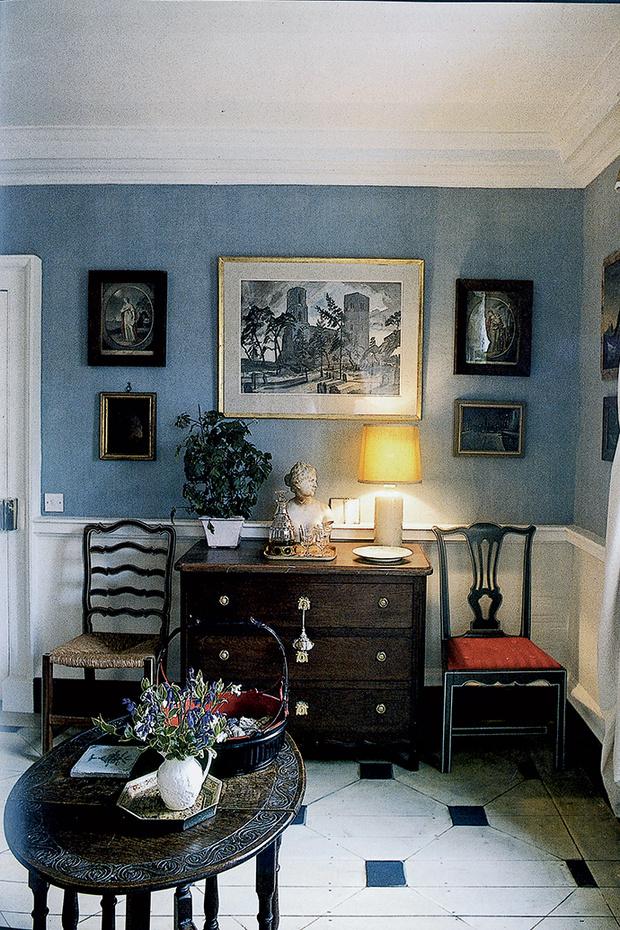 Холл в доме XVIII века, Англия.