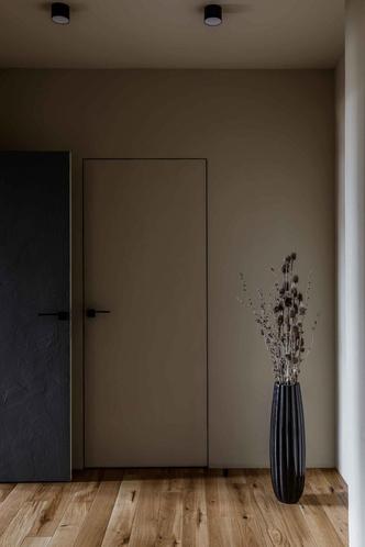 Брутальная квартира в бежевых тонах с черной спальней 72 м² (фото 16.2)