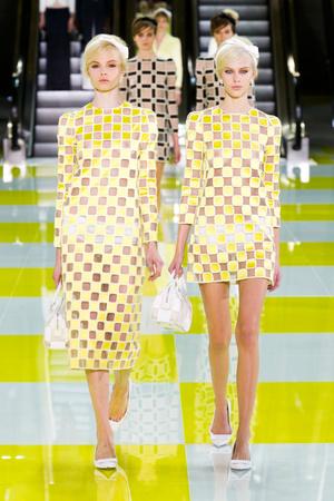 Показ Louis Vuitton коллекции сезона Весна-лето 2013 года prêt-à-porter - www.elle.ru - Подиум - фото 462659