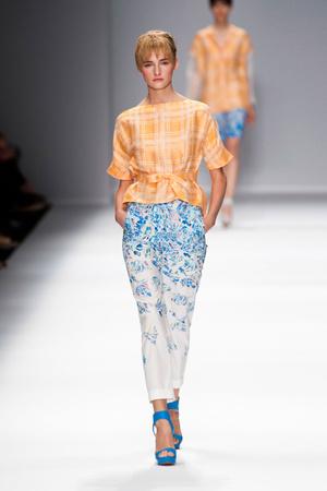 Показы мод Cacharel Весна-лето 2013 | Подиум на ELLE - Подиум - фото 1020