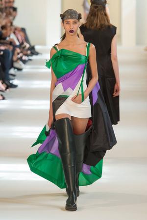 Показ Maison Margiela коллекции сезона Осень-зима 2016-2017 года Haute couture - www.elle.ru - Подиум - фото 607171