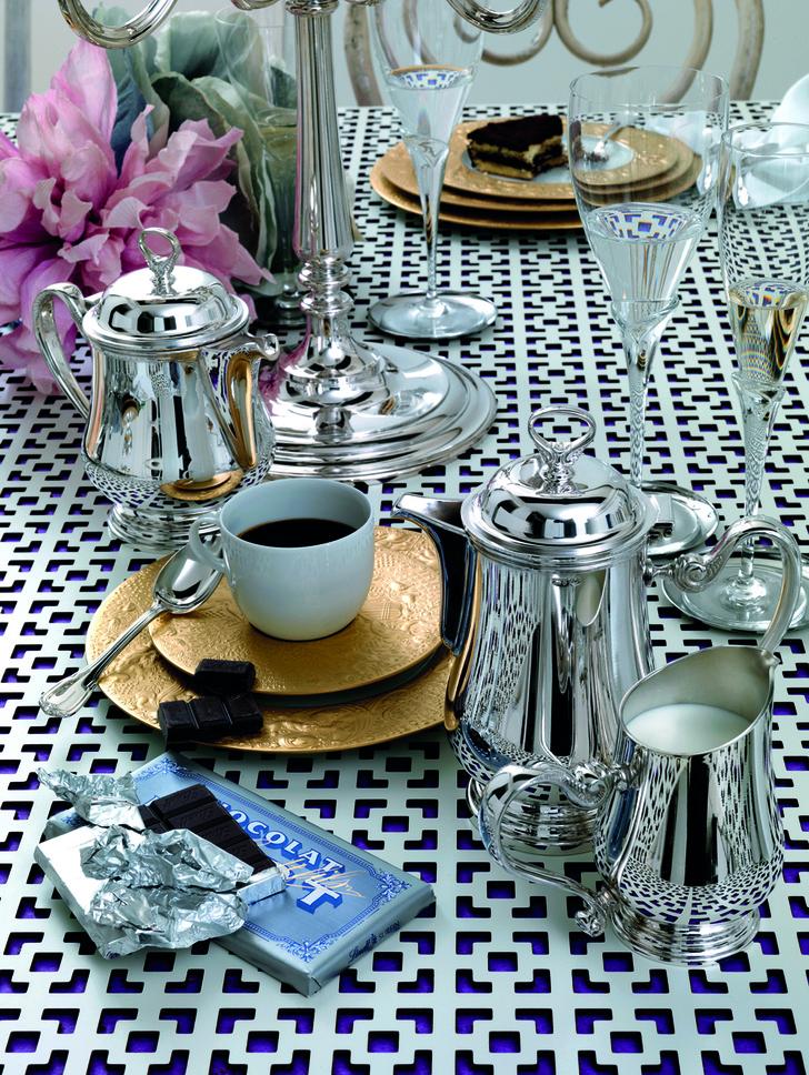 Брызги шампанского, чай, кофе, потанцуем! Три способа отметить 8 марта красиво (фото 9)