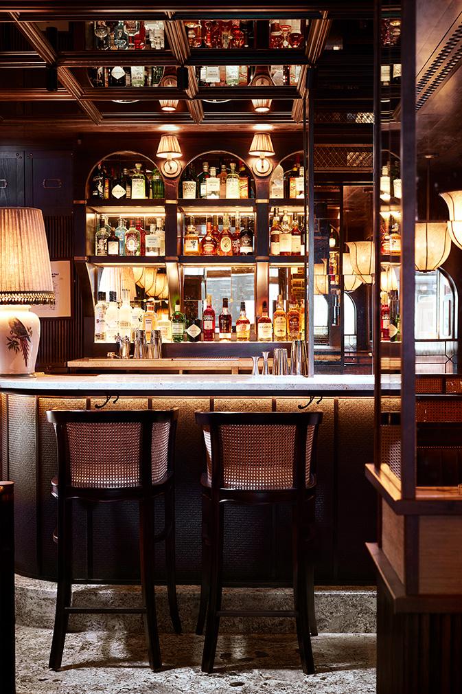 Лондонский бар Gymkhana в колониальном стиле (фото 2)