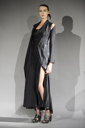 Показ Atelier Gustavo Lins коллекции сезона Весна-лето 2011 года haute couture - www.elle.ru - Подиум - фото 216123