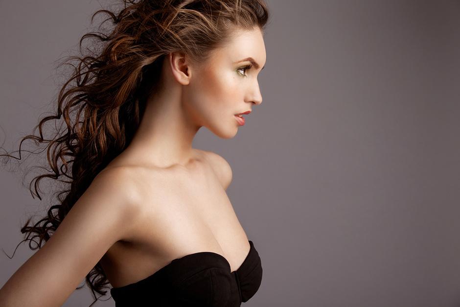 Плоская грудь зрелых женщин