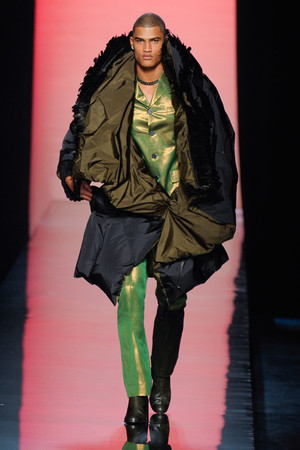 Показ Jean Paul Gaultier коллекции сезона Осень-зима 2011-2012 года Haute couture - www.elle.ru - Подиум - фото 278878