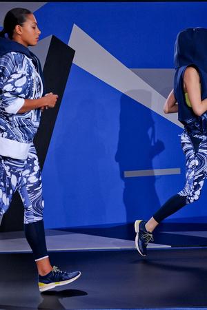 Показ Adidas by Stella McCartney коллекции сезона Весна-лето 2014 года Prêt-à-porter - www.elle.ru - Подиум - фото 567001