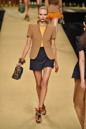 Показ Louis Vuitton коллекции сезона Весна-лето 2009 года prêt-à-porter - www.elle.ru - Подиум - фото 85575
