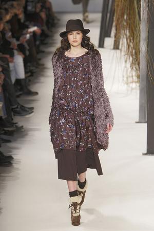 Показы мод Kenzo Осень-зима 2010-2011 | Подиум на ELLE - Подиум - фото 2710