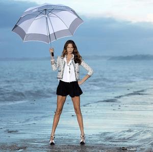 6 рекламных кампаний Chanel, заставляющих скучать по лету уже сейчас (фото 7.2)