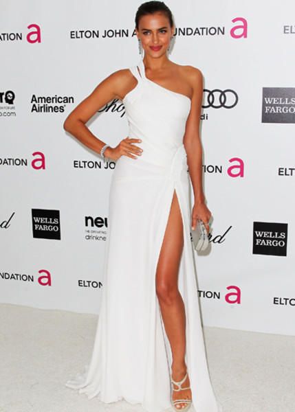 Ирина Шейк в платье Versace
