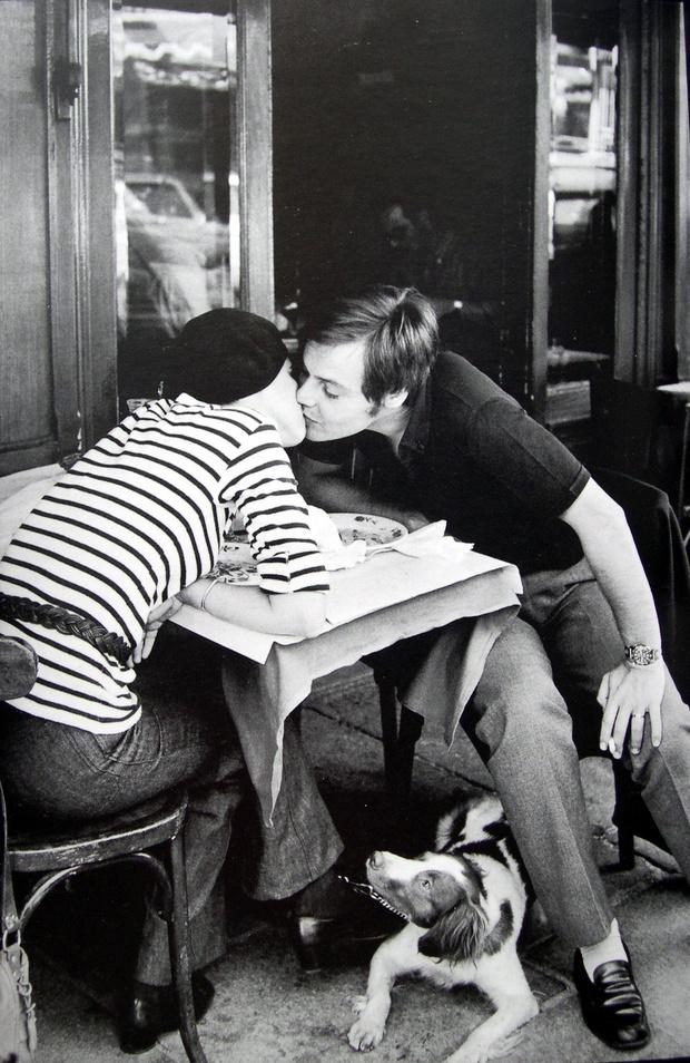 Любовное настроение: 24 культовые скульптуры, картины и фотографии поцелуев (фото 24)