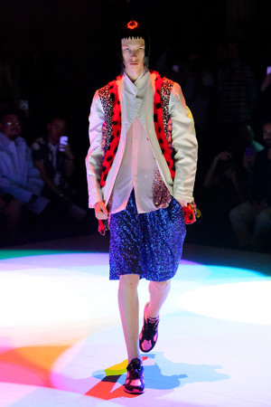 Показы мод Comme des Garcons Homme Plus Весна-лето 2018 | Подиум на ELLE - Подиум - фото 4944