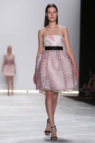 Показ Monique Lhuillier на Неделе моды в Нью-Йорке