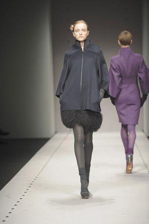 Показы мод Brioni Осень-зима 2010-2011 | Подиум на ELLE - Подиум - фото 2751