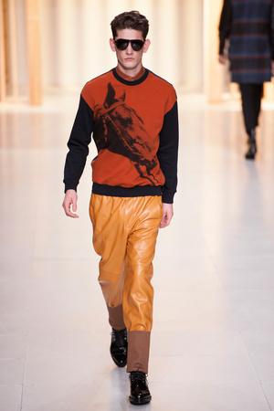 Показы мод 3.1 Phillip Lim Осень-зима 2014-2015 | Подиум на ELLE - Подиум - фото 3741