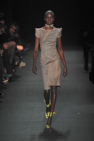 Показы мод Zac Posen Осень-зима 2009-2010 | Подиум на ELLE - Подиум - фото 3195