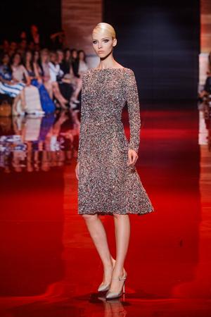 Показ Elie Saab коллекции сезона Осень-зима 2013-2014 года Haute couture - www.elle.ru - Подиум - фото 556193