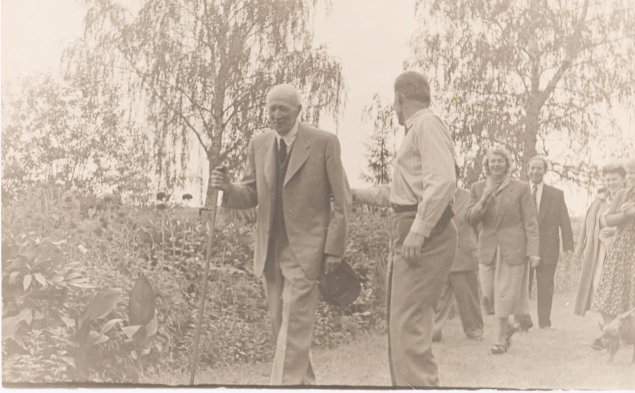 Уникальный архив архитектора Жолтовского выставят на аукцион (галерея 11, фото 0)