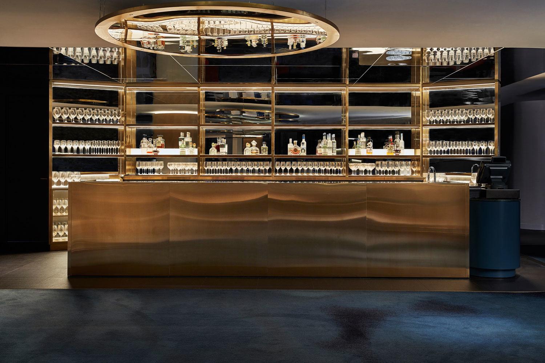 Модный ресторан на 19 этаже отеля (галерея 9, фото 0)