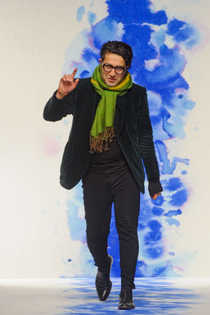 Показ Osman коллекции сезона Осень-зима 2011-2012 года Prêt-à-porter - www.elle.ru - Подиум - фото 240651