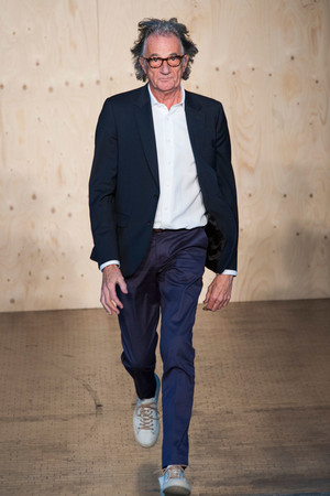Показ Paul Smith коллекции сезона Весна-лето 2015 года prêt-à-porter - www.elle.ru - Подиум - фото 587803