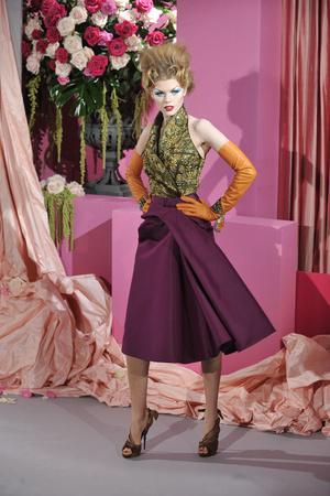 Показ Christian Dior коллекции сезона Весна-лето 2010 года Haute couture - www.elle.ru - Подиум - фото 138235