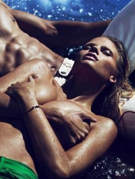 Лара Стоун в рекламе Calvin Klein Jeans