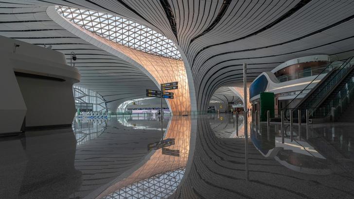 В Пекине открылся новый аэропорт по проекту Захи Хадид (фото 4)