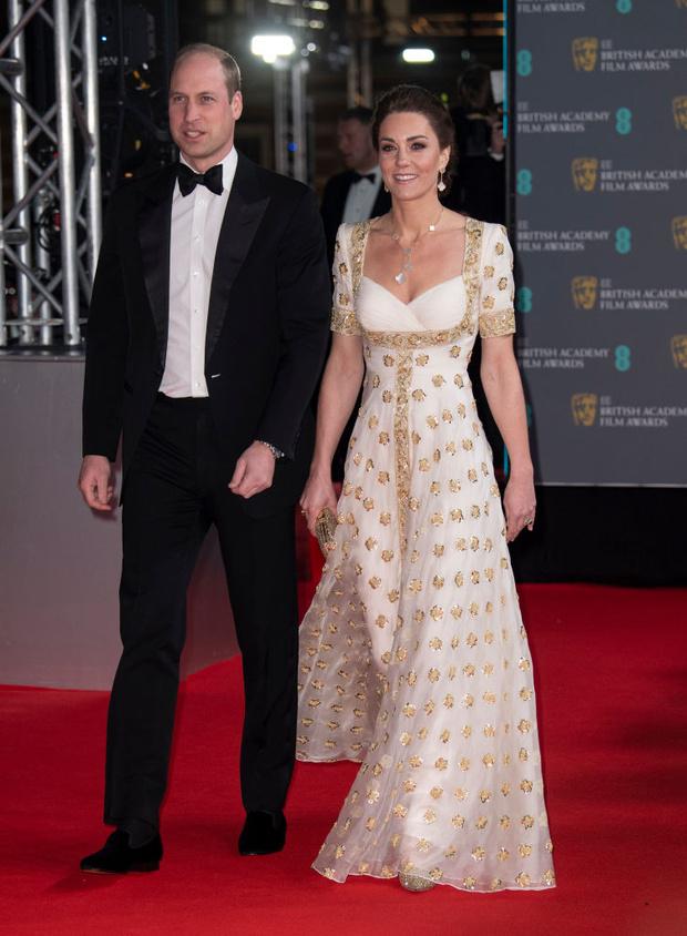 Платье для принцессы: Кейт Миддлтон в Alexander McQueen (фото 5)