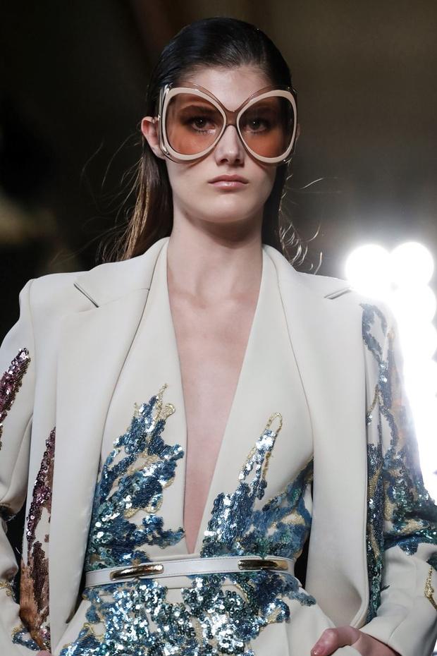 Модная деталь: огромные солнцезащитные очки на Elie Saab Couture SS19 (фото 2)